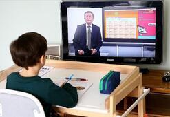 Uzaktan eğitim ne zaman başlıyor Hangi sınıflar yüz yüze eğitim görecek