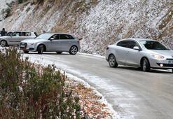 Son dakika... Tatilcilere kar şoku Onlarca araç geri döndü
