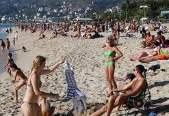 Alanyada kısıtlamanın sona ermesiyle plajlar doldu