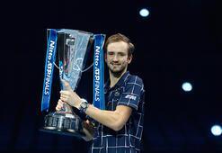 ATP Finallerinde Rus Medvedev şampiyon oldu
