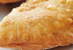 Çiğ börek nasıl yapılır Çiğ börek tarifi ve yapılışı