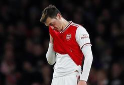 Arsenalde Mesut Özilden ayrılık tepkisi Telefonun mu hacklendi