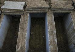 Kovid-19dan hayatını kaybedenlerin defnedildiği Ortaköy Mezarlığı hüzünlü hikayelere tanıklık ediyor