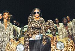 Grammy adaylarında kadınların ayak sesleri