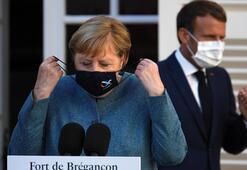 Merkel duyurdu Almanyadaki kısıtlamalar uzatıldı...
