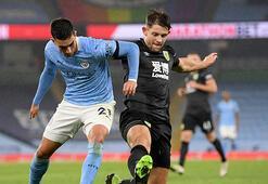Manchester City, Burnleye gol yağdırdı