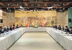 Azınlık temsilcileri Dolmabahçe'de
