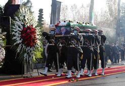 İranlı nükleer fizikçi Fahrizade'nin cenazesi Tahran'da defnedildi