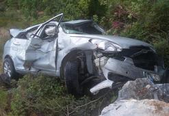 Alanyada otomobil uçuruma yuvarlandı: 5 yaralı