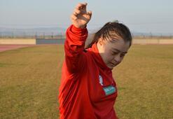 Down sendromlu milli atlet Münevverenin motivasyon kaynağı annesi