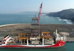Kanuni sondaj gemisinin sökülen kulesi monte edildi