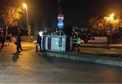 Eyüpsultanda otomobil polis otosuna çarptı: 3 yaralı