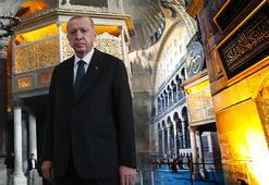 Cumhurbaşkanı Erdoğan Ayasofya Camisine hat tablosu bağışladı