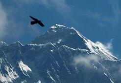 Everest Dağı artık 73 santim daha uzun