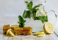 Limonlu Sıcak Suyun Faydaları Nelerdir Her Sabah Limonlu Ilık Su İçmek Vücutta Nelere İyi Gelir
