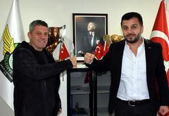 Akhisarspor, teknik direktör Mesut Dilsöz ile anlaştı