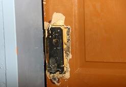 Kapısını kırdıkları okulun malzemelerini çaldılar