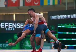 Milli güreşçi Cengiz Arslan, Dünya Kupasında bronz madalya  kazandı