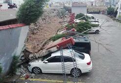 İstinat duvarı çöktü, 20 araç zarar gördü