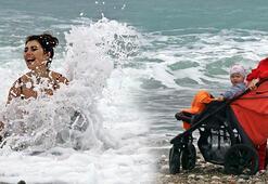 Rus kadın herkesi kıskandırdı Tek başına deniz keyfi