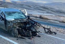 Erzincanda iki araç çarpıştı: 2 ölü, 2 yaralı
