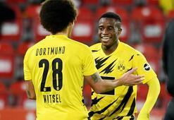 Borussia Dortmundda Youssoufa Moukoko tarihe geçti