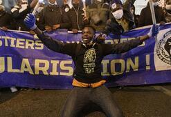 Fransada göçmenler gösteri düzenledi