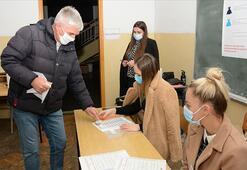 Bosna Hersekin Mostar şehrinde halk yerel seçim için sandık başında
