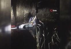Antalyada kontrolden çıkan otomobil dereye uçtu