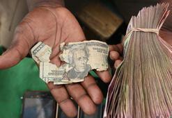 Zimbabvede 10 bin kişiye işe gitmeden maaş verildiği ortaya çıktı