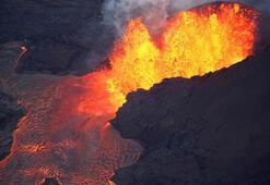 Kırmızı alarm verildi... Kilauea Yanardağında patlama
