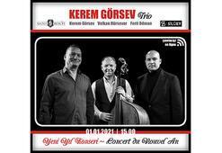 Kerem Görsev Triodan Saint Benoit Lisesi Silüet Salonda yılbaşı konseri