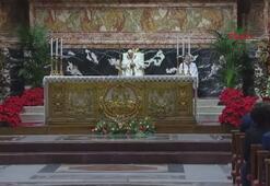 Papa Francis, Vatikanda boş meydanda Noel Arifesi Ayini düzenledi