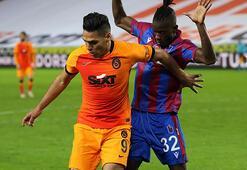 Son dakika - Galatasarayda Falcaoya tepki Canlı yayında flaş sözler...