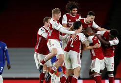Premier Ligde Arsenal, Chelseayi devirdi