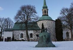 Yarım tonluk tarihi kilise çanı çalındı