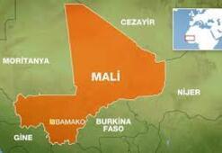 Son dakika...Mali'de 3 Fransız asker, araçlarına düzenlenen bombalı saldırıda öldü