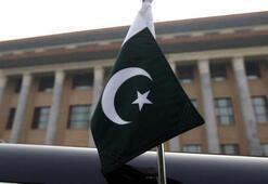 Pakistanda eski bakan Asıf gözaltına alındı