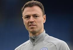 Leicester City, Evansın sözleşmesini uzattı