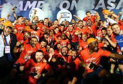 Salgının gölgesinde Süper Lig şampiyonu Başakşehir