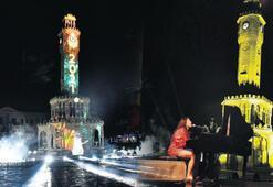 Saat Kulesi'nde renkli karşılama