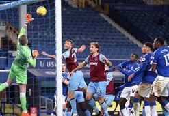 Everton West Ham Uniteda yıkıldı Cenk Tosun...