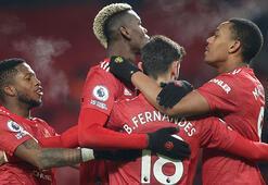 Manchester United, Aston Villayı 2 golle geçti