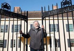 Tarihi New York malikanesinde 30 yıldır kira vermeden yaşıyor