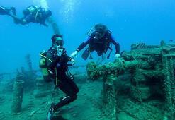 Antalyadaki tarihi batıkta hatıra fotoğrafı