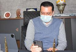 AK Partili Kaya, kısıtlamada vatandaşlarla görüntülü görüşüyor