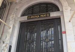 Türk tarihinin en önemli isimlerinden Mezarı Ayaspaşa Palas binasının altında bulundu