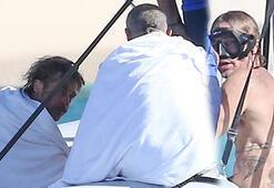 Brad Pitt, Karayiplerde tatilde