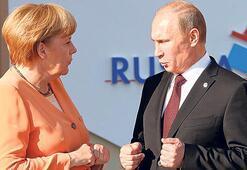 Merkel ve Putin'den kritik görüşme