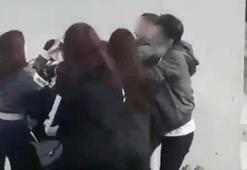 Genç kızlar birbirine girdi